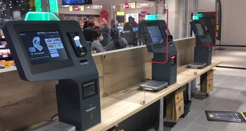 Kompakte Self-Checkout-Terminals im Einsatz bei Edeka